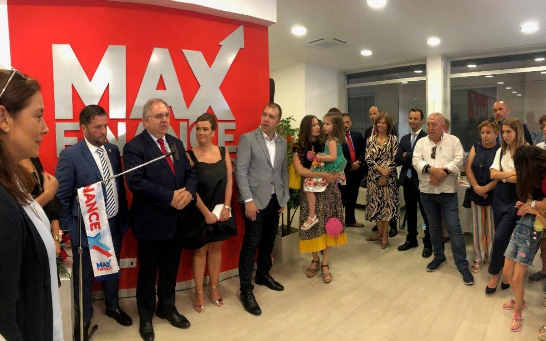 MAXFINANCE inaugura loja em Loures
